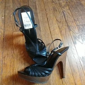 NWT Jessica Simpson Saturday night heels